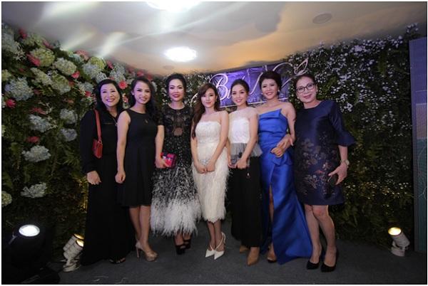 [Bichna Beauty Clinic]                                           NSƯT Kim Xuân và con dâu rạng rỡ tại sự kiện làm đẹp                                     4739