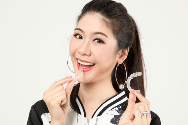 [Trung tâm Nha khoa Dr Hùng và cộng sự]                                           Tìm hiểu những bí quyết để có nụ cười đẹp                                     4933
